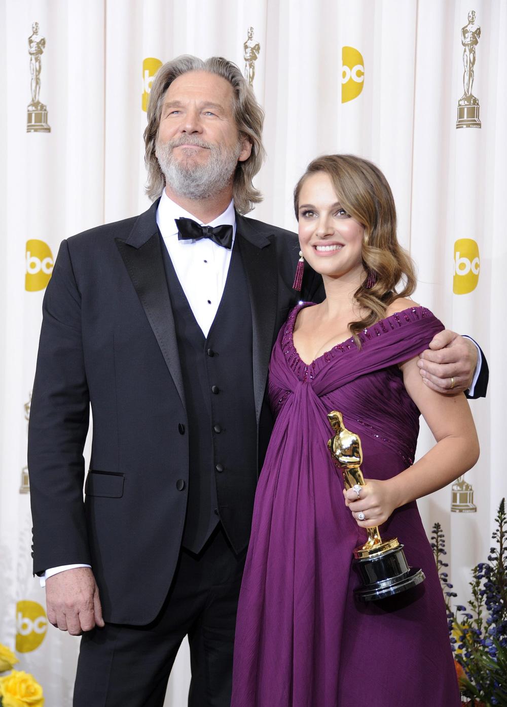 In foto Natalie Portman (38 anni) Dall'articolo: Oscar, trionfa Il discorso del re.