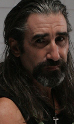 La pillola della discordia - In foto l'attore John Lynch in una scena del film Holy Water.