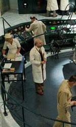 Teschio Rosso fa la sua comparsa con l'uniforme dell'Hydra - Il laboratorio del dottor Abraham Erskine.