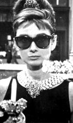 Audrey fa sempre colazione da Tiffany - Audrey Hepburn in una celebre scena del film Colazione da Tiffany (1961) di Blake Edwards.