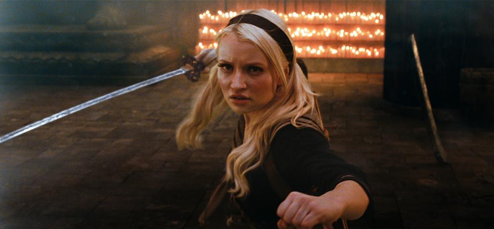 In foto Emily Browning (30 anni) Dall'articolo: Una mappa, il fuoco, un coltello e una chiave.