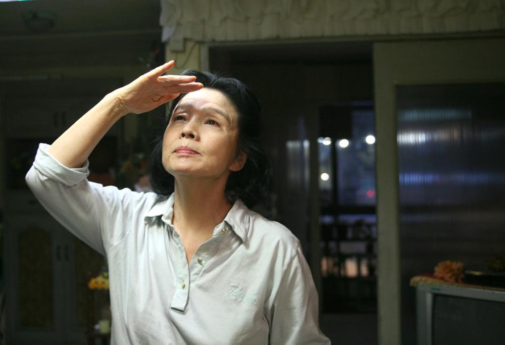 In foto Yu Junghee (76 anni) Dall'articolo: Conversazione con Tatti Sanguineti su Poetry.