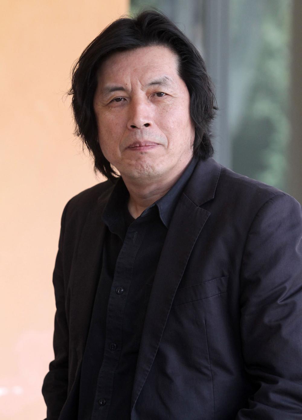 In foto Chang-dong Lee (65 anni) Dall'articolo: Poetry o l'elogio del vuoto.