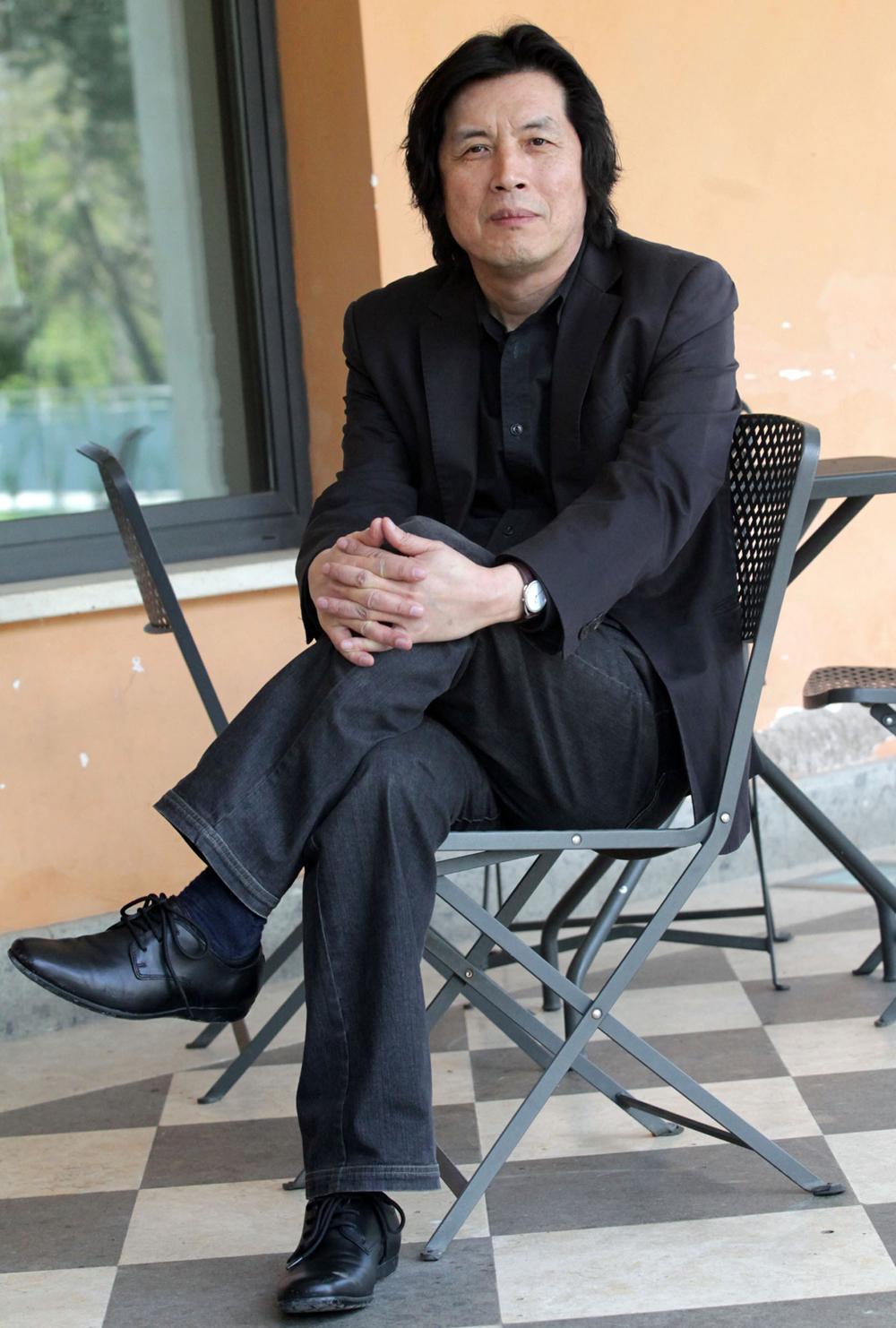 In foto Chang-dong Lee (66 anni) Dall'articolo: Poetry o l'elogio del vuoto.