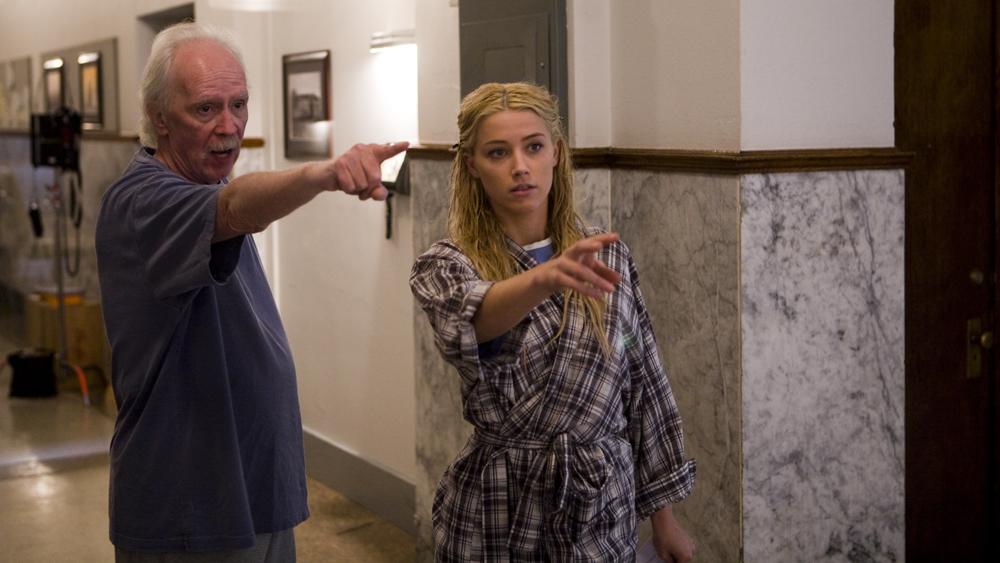 In foto John Carpenter (73 anni) Dall'articolo: Amber Heard: bella, giovane e pazza.