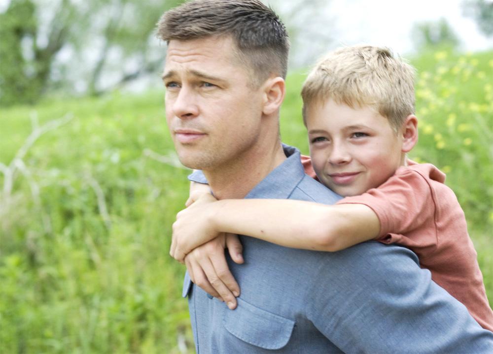 In foto Brad Pitt (57 anni) Dall'articolo: Dinosauri e il concetto dell'universo nel dramma familiare di Malick.