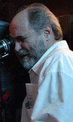 Jennifer Lopez e Marc Anthony nel film su Hector Lavoe - Il regista Leon Ichaso sul set del film El cantante.
