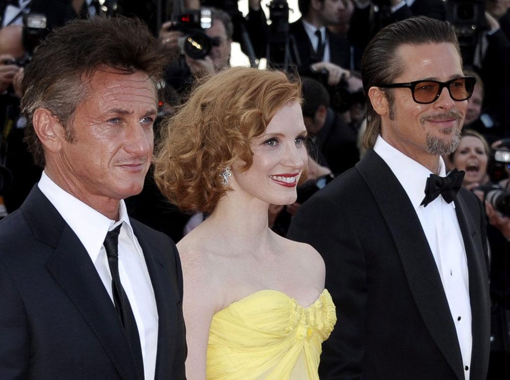 In foto Brad Pitt (57 anni) Dall'articolo: Cannes perde la testa per Malick.