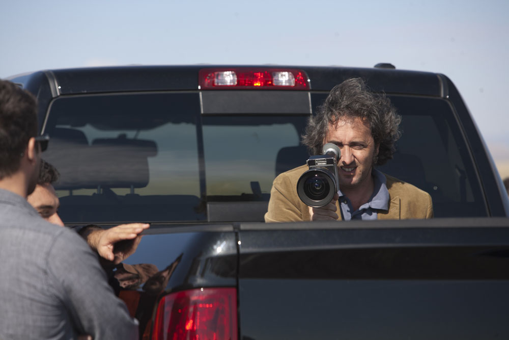 Una foto di scena del film This Must Be the Place. -  Dall'articolo: A Cannes il Road'n'roll di Sorrentino.