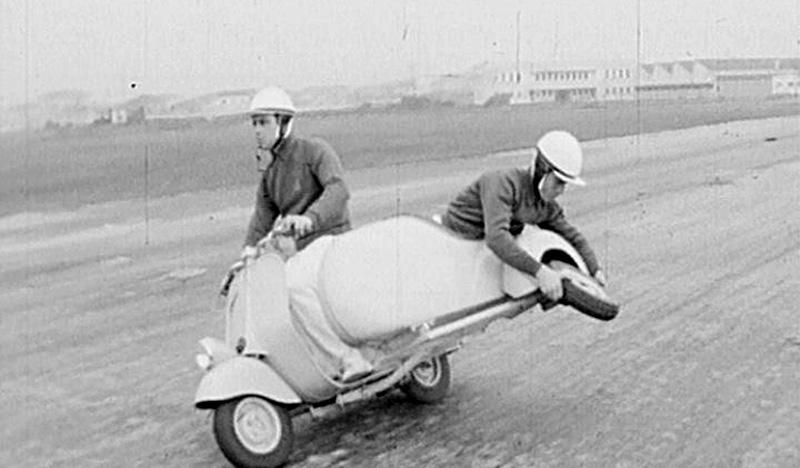 Un'immagine di 1960 di Gabriele Slavatores. -  Dall'articolo: 1960 di Salvatores vince il Nastro d'argento.