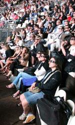 Jack Black, cuore di panda - La platea del teatro greco di Taormina assiste alla proiezione di Kung Fu Panda 2.