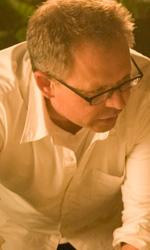 In foto Bill Condon (64 anni) Dall'articolo: A tre mesi dall'uscita, nuove foto ufficiali di Breaking Dawn.