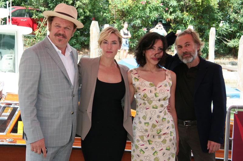 In foto Kate Winslet (45 anni) Dall'articolo: Carnage, il Lido ai piedi di Polanski.