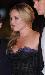 In foto Abbie Cornish (38 anni) Dall'articolo: Fischi a Bellucci, flash per Madonna.