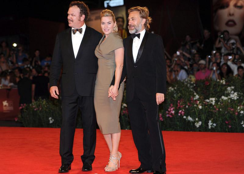 In foto Kate Winslet (45 anni) Dall'articolo: Fischi a Bellucci, flash per Madonna.