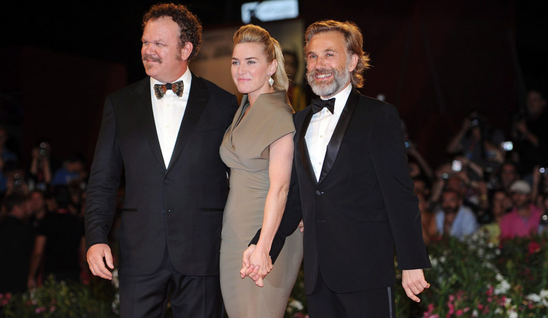 In foto Kate Winslet (43 anni) Dall'articolo: Fischi a Bellucci, flash per Madonna.