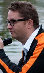 Nicolas Winding Refn, il danese tranquillo - In foto il regista danese Nicolas Winding Refn sul set del film Drive, per cui ha vinto allo scorso festival di Cannes il Premio per la miglior regia.