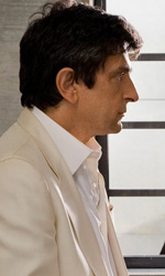 La fortuna aiuta gli smemorati - In foto Vincenzo Salemme e Paola Minaccioni, protagonisti del film Baciato dalla fortuna di Paolo Costella.