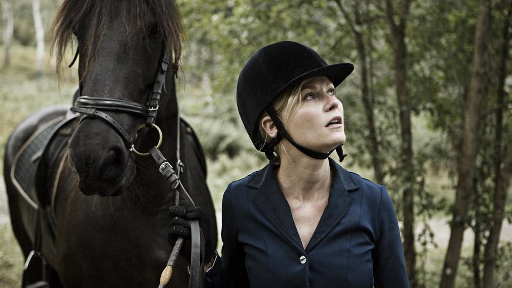 In foto Kirsten Dunst (38 anni) Dall'articolo: Melancholia, quanto romanticismo nella fine del mondo!.
