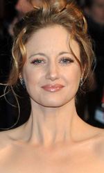 In foto Andrea Riseborough (40 anni) Dall'articolo: W.E, Madonna incompresa dai media.