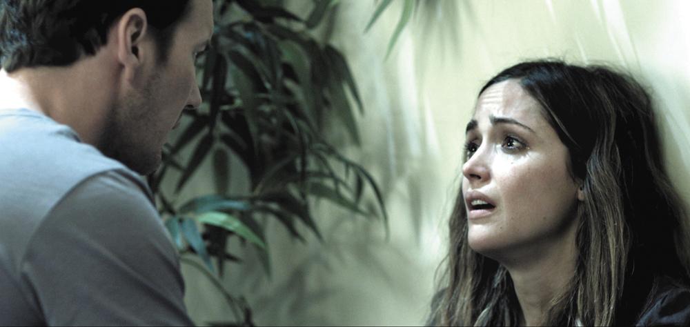 In foto una scena del film Insidious. -  Dall'articolo: La politica degli autori: James Wan.