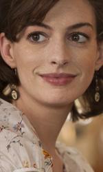 In foto Anne Hathaway (38 anni) Dall'articolo: One Day, vent'anni, due persone, un amore.