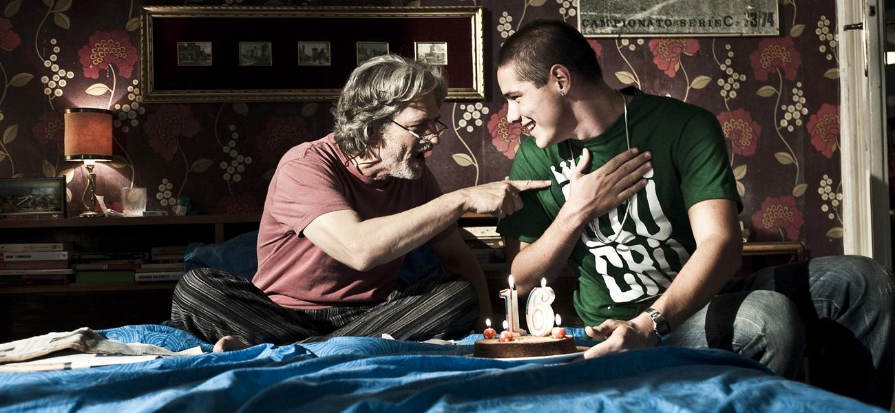 In foto Fabrizio Bentivoglio (61 anni) Dall'articolo: Scialla!, l'amore (paterno) ritrovato.