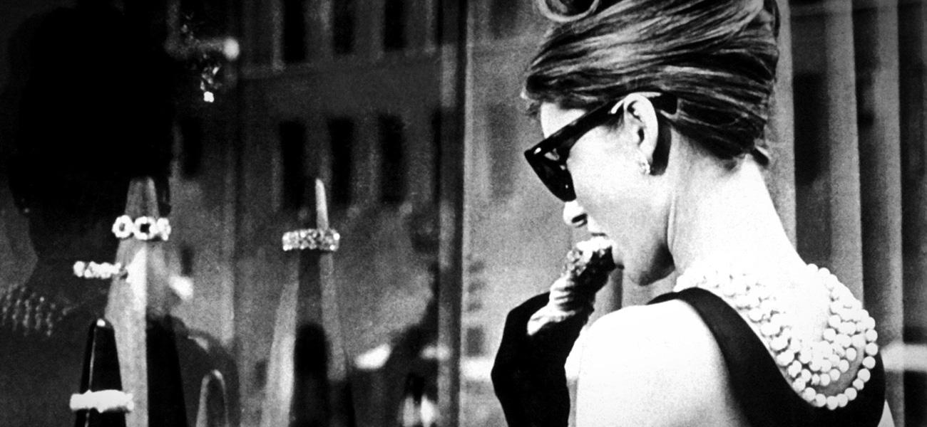 In foto Audrey Hepburn Dall'articolo: Audrey fa sempre colazione da Tiffany.