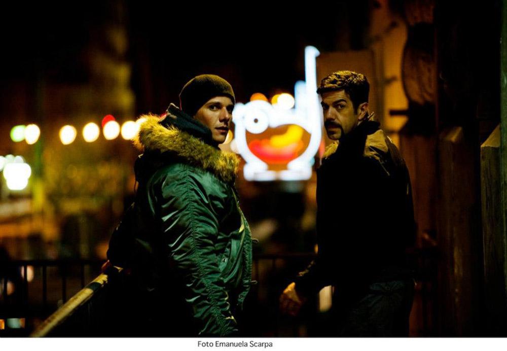In foto Pierfrancesco Favino (51 anni) Dall'articolo: Acab, un fratello non si tradisce mai.