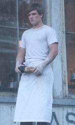In foto Josh Hutcherson (27 anni) Dall'articolo: The Hunger Games, una battaglia fino alla morte contro l'oppressione.
