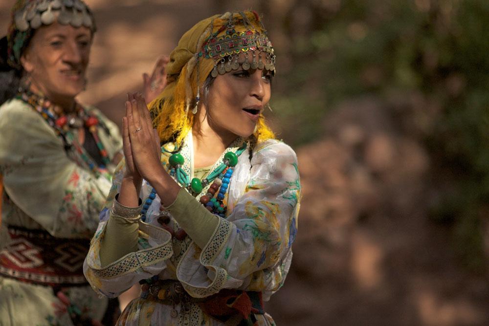 In foto Leïla Bekhti (37 anni) Dall'articolo: La sorgente dell'amore, sciopero del sesso contro l'integralismo.