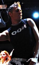 Ti stimo fratello, è arrivato Jonny Groove - Giovanni Vernia in una foto del film Ti stimo fratello.