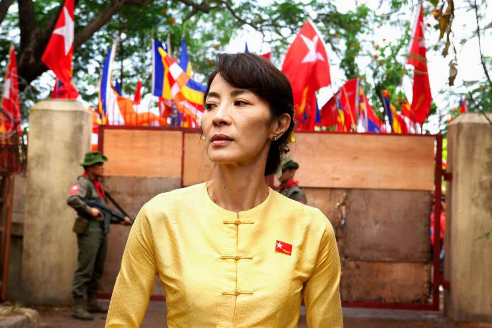 In foto Michelle Yeoh (56 anni) Dall'articolo: The Lady, ritratto di una donna straordinaria.