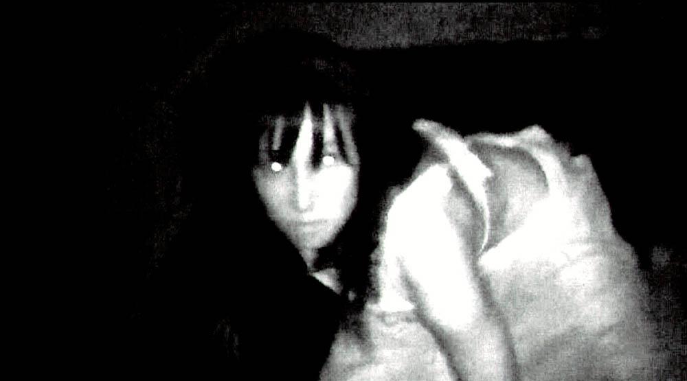 Una scena del film L'altra faccia del diavolo. -  Dall'articolo: L'altra faccia del diavolo, il male si diffonde.