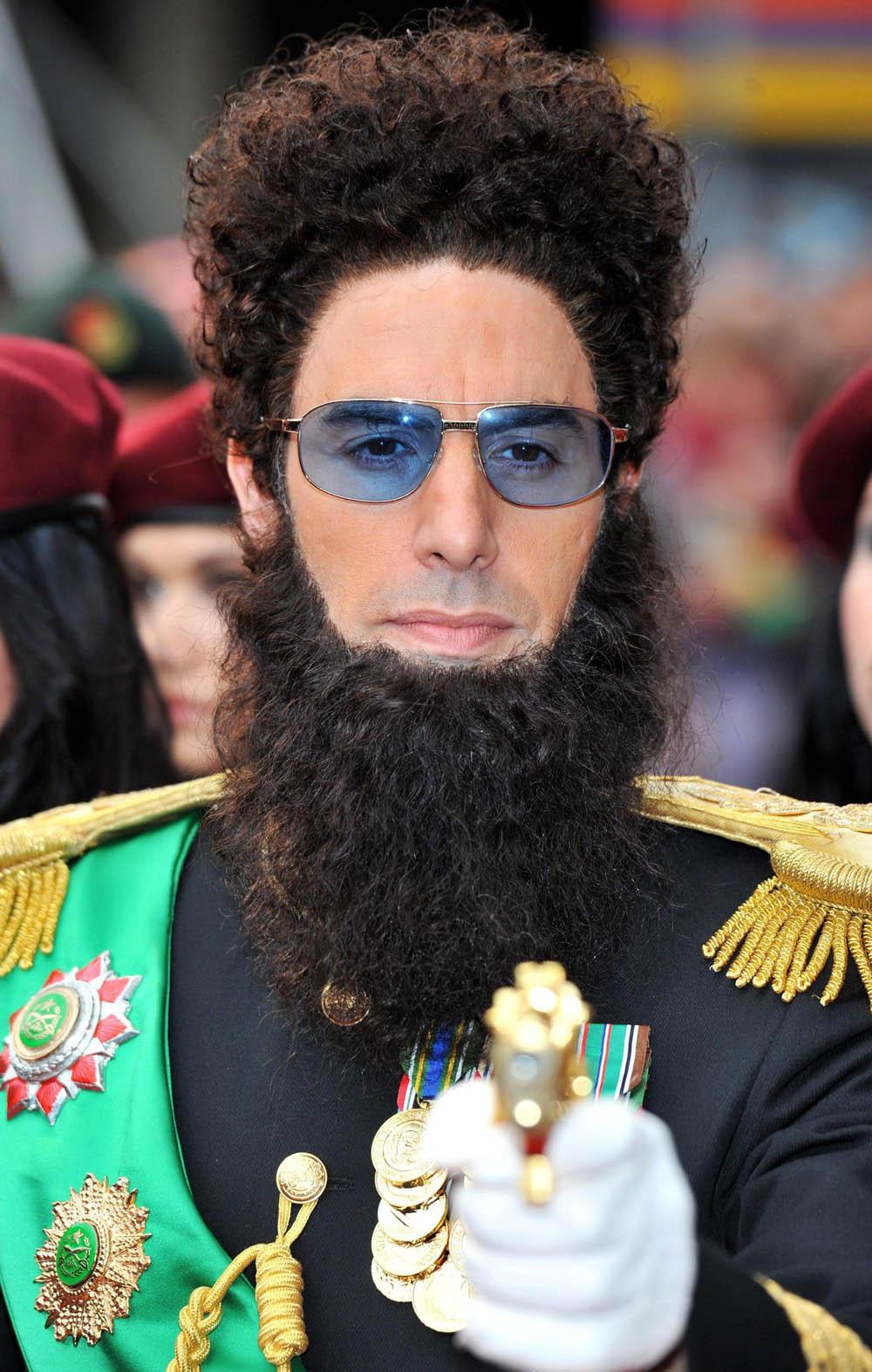 In foto Sacha Baron Cohen (47 anni) Dall'articolo: Il dittatore, la premiere è uno spettacolo.