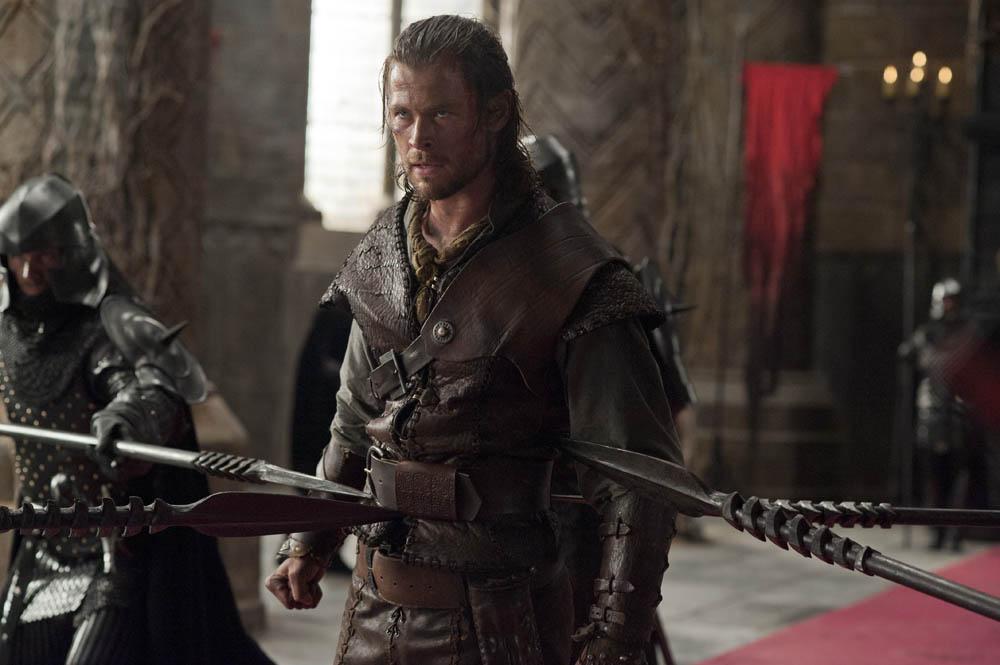 In foto Chris Hemsworth (35 anni) Dall'articolo: Biancaneve e il cacciatore, addestrata per uccidere.