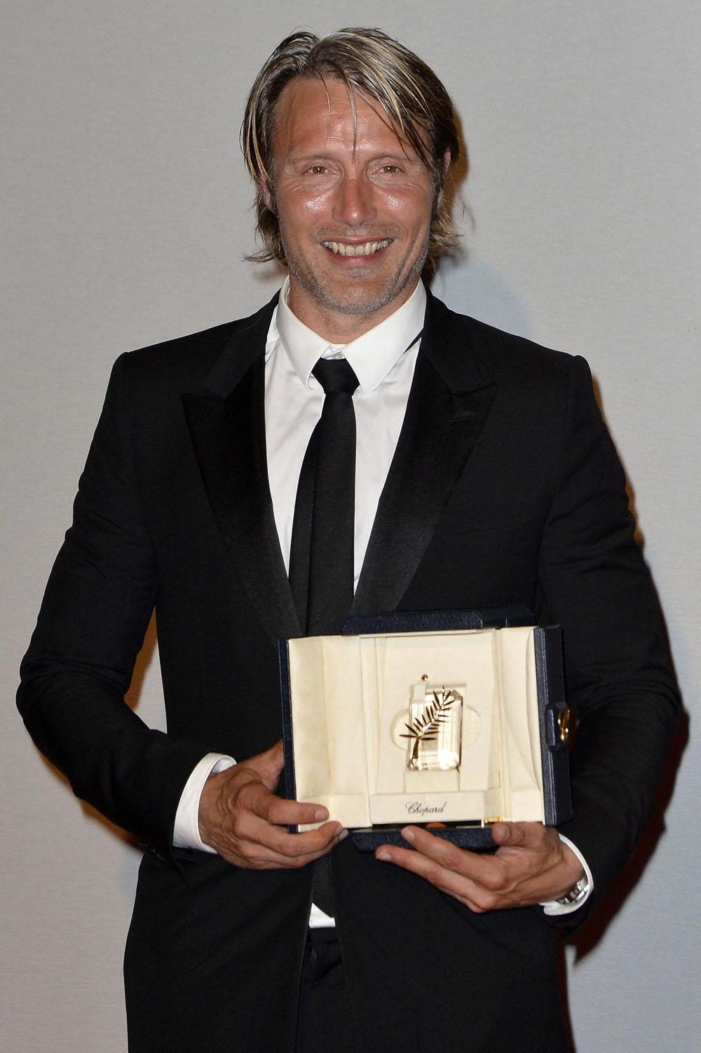 In foto Mads Mikkelsen (56 anni) Dall'articolo: Cannes 65, a Garrone il Gran Premio della Giuria.
