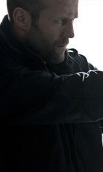 Killer Elite, guerra segreta in Oman - Jason Statham in una scena del film Killer Elite di Gary McKendry.