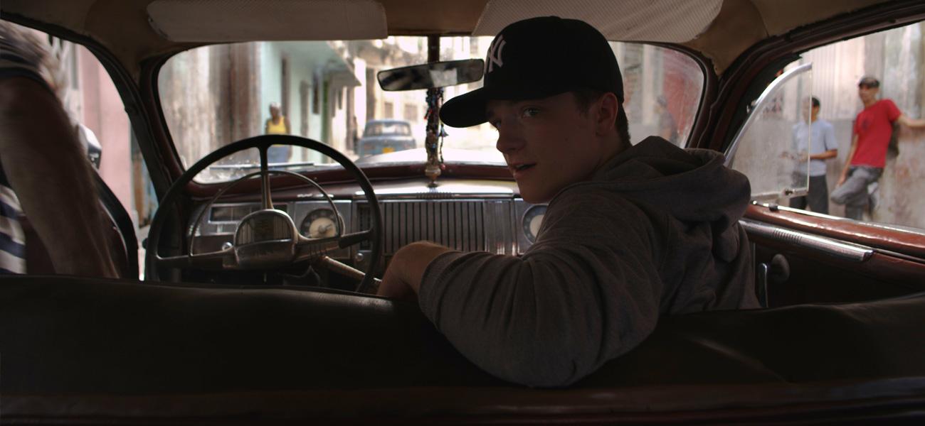 In foto Josh Hutcherson (26 anni) Dall'articolo: 7 Days in Havana, 7 registi per una città unica.