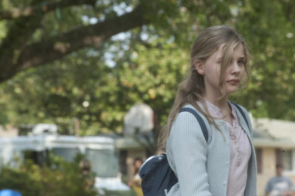 In foto Chloë Grace Moretz (21 anni) Dall'articolo: Le paludi della morte, caccia al serial killer.