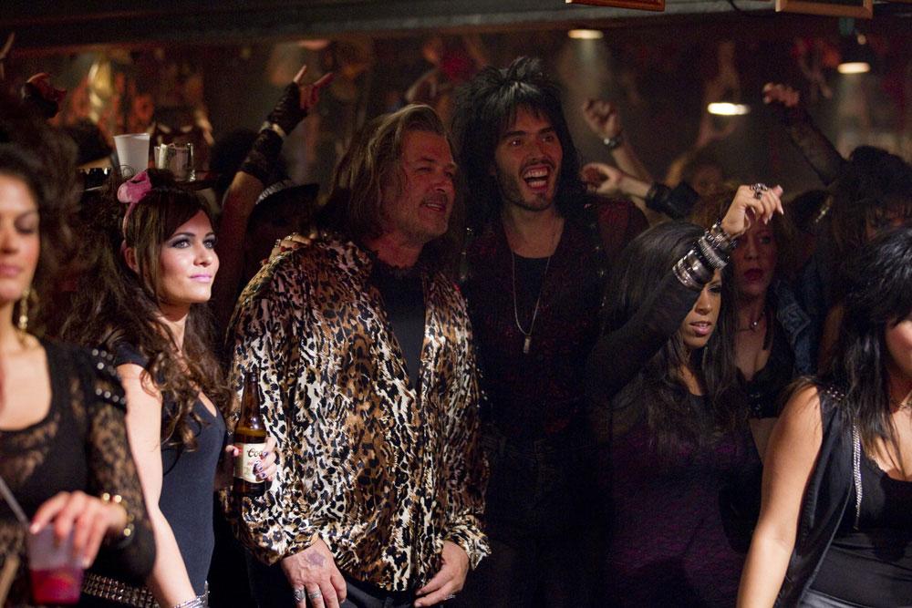In foto Alec Baldwin (60 anni) Dall'articolo: Rock of Ages, gli anni '80 sono tornati.