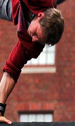 Film nelle sale: fanciulle, cacciatori e acrobati in corsa - In foto una scena del film Freerunner.