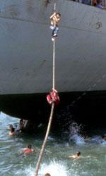La nave dolce, un carico di zucchero e speranza - Una foto dello sbarco della nave Vlora, l'8 agosto del 1991.