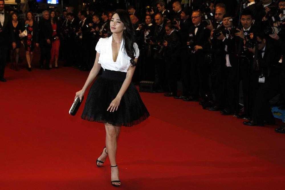 In foto l'attrice Zhang Yuqi  per la proiezione del film A Touch of Sin. -  Dall'articolo: Cannes 66, in concorso Desplechin e Koreeda.