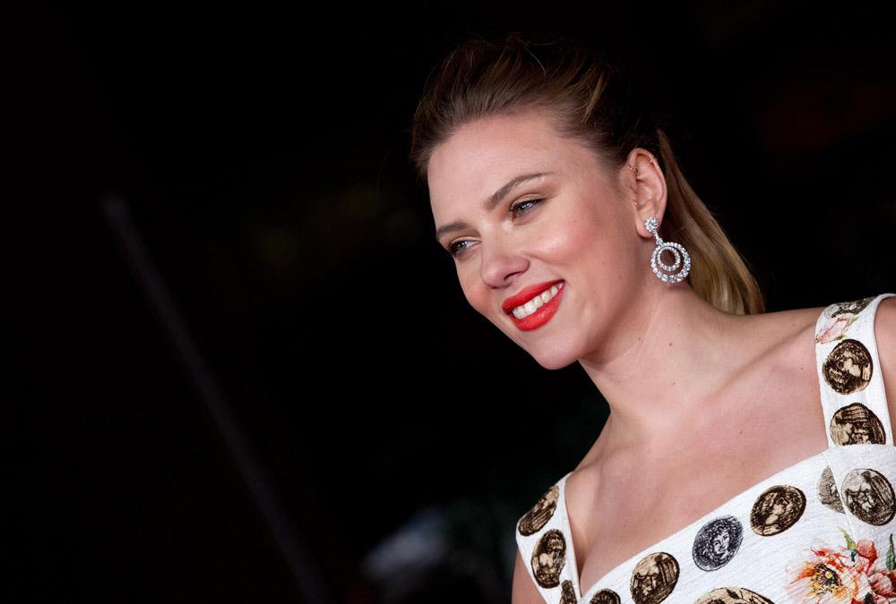 In foto Scarlett Johansson (37 anni) Dall'articolo: Festival di Roma 2013, oggi è di scena il dramma.