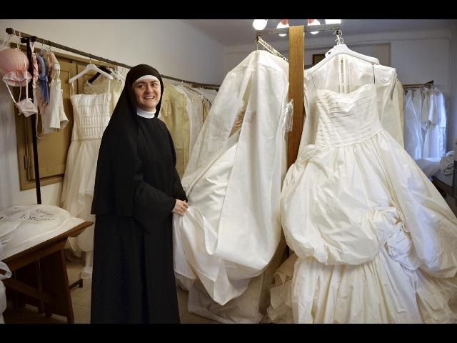 In atelier suore abito bianco in dono - MYmovies.it