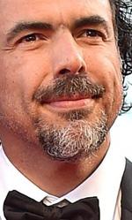 71. Mostra del Cinema, le foto del red carpet di Birdman - Alejandro González Iñárritu, in foto insieme alla moglie, è il regista di Birdman. Nel film, Iñárritu racconta l'uomo (e in particolare il maschio) nella sua fragilità e contraddizione, nei suoi sogni di gloria e le sue delusioni di vita.