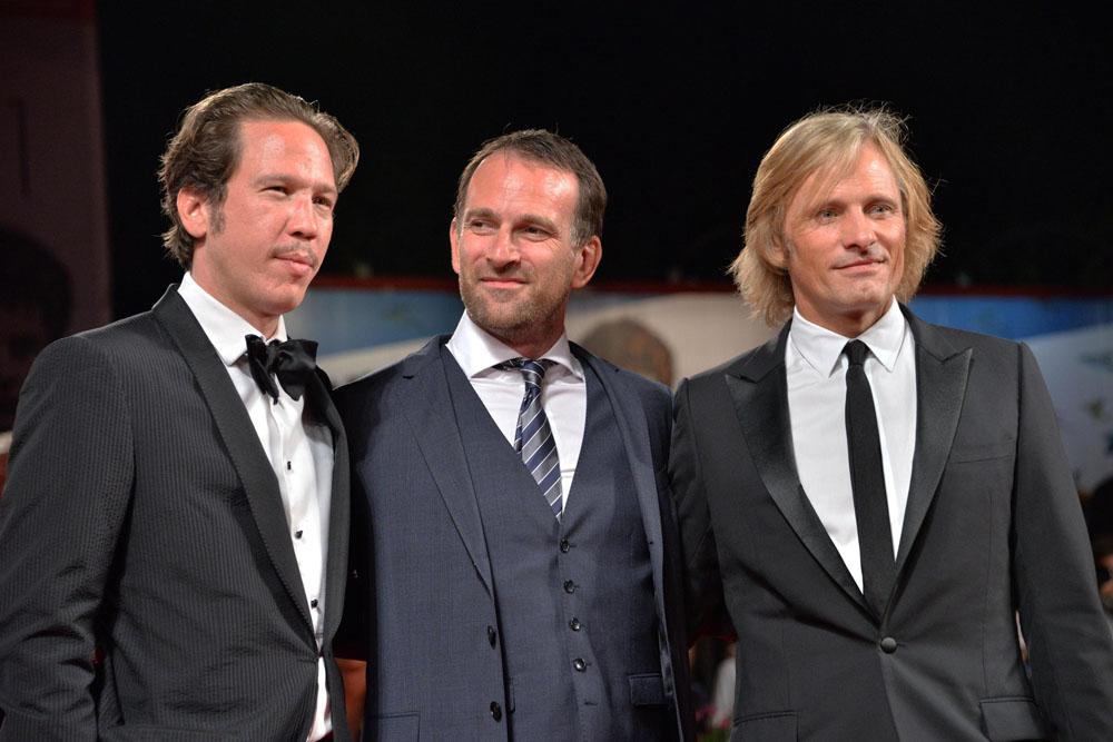 In foto Viggo Mortensen (62 anni) Dall'articolo: 71. Mostra del Cinema, Saverio Costanzo Show.