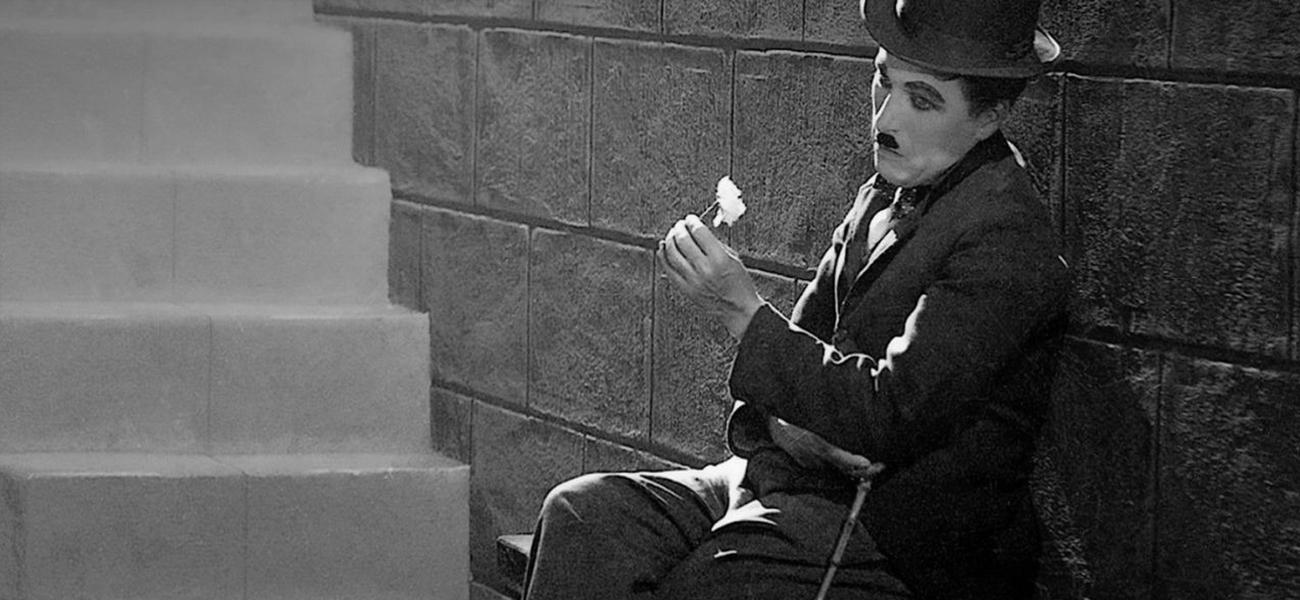 In foto Charles Chaplin Dall'articolo: Tokyo Film Festival, all'insegna dell'immaginario giapponese classico.
