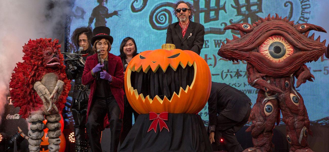 In foto Tim Burton (63 anni) Dall'articolo: Tokyo Film Festival, Halloween con Tim Burton.